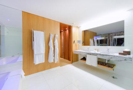 Martinhal Cascais Hotel Bathroom