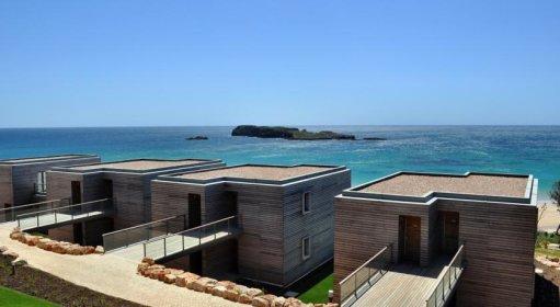 Beach Rooms (partial sea view)