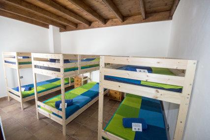6 Bed Room
