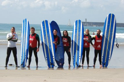 Surf lesson group