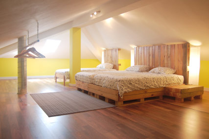 Triple Attic Room with shared bathroom