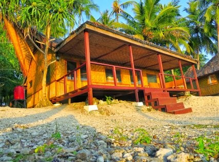 Main house with big veranda, dining room, chill area and main bedroom (with private bathroom