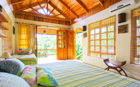 Spacious and peaceful Armonia bungalow at Blue Surf Sanctuary. Private for couples.