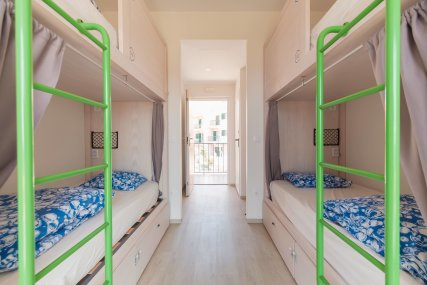 Bed in 8 Bed Mixed Dorm Ensuite