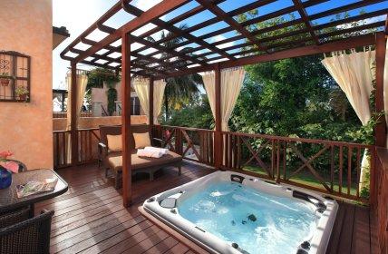 Garden Jr Suite with Whirlpool