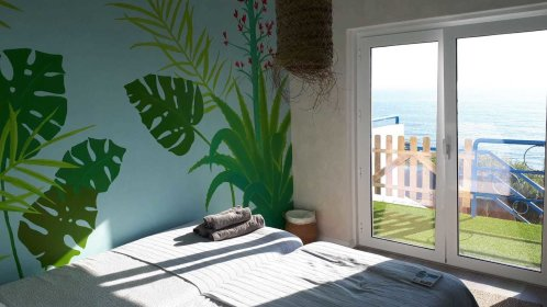 Sea view room with private bathroom