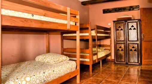 girly shared room