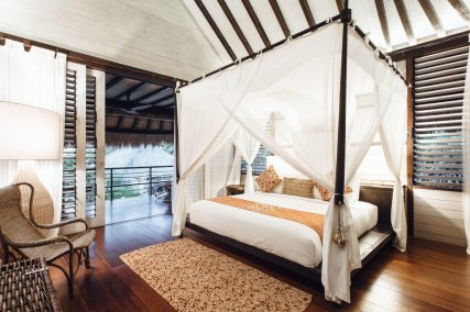 Ulin Pavilion with Daybed
